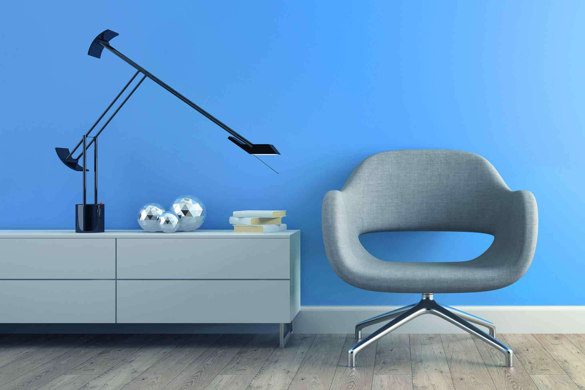 https://xbim.hk/wp-content/uploads/2017/05/image-chair-blue-wall.jpg